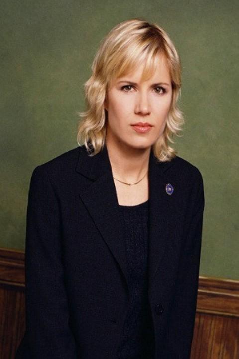 Kim Dickens
